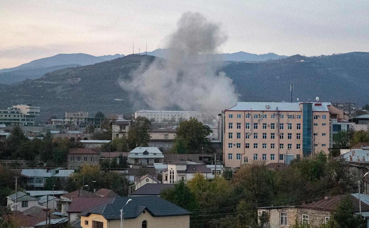Последствия обстрела 31 октября на центральном рынке Степанакерта