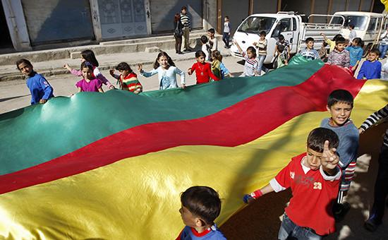 Протестная демонстрация сирийских курдов в Дерике. Ноябрь 2012 года