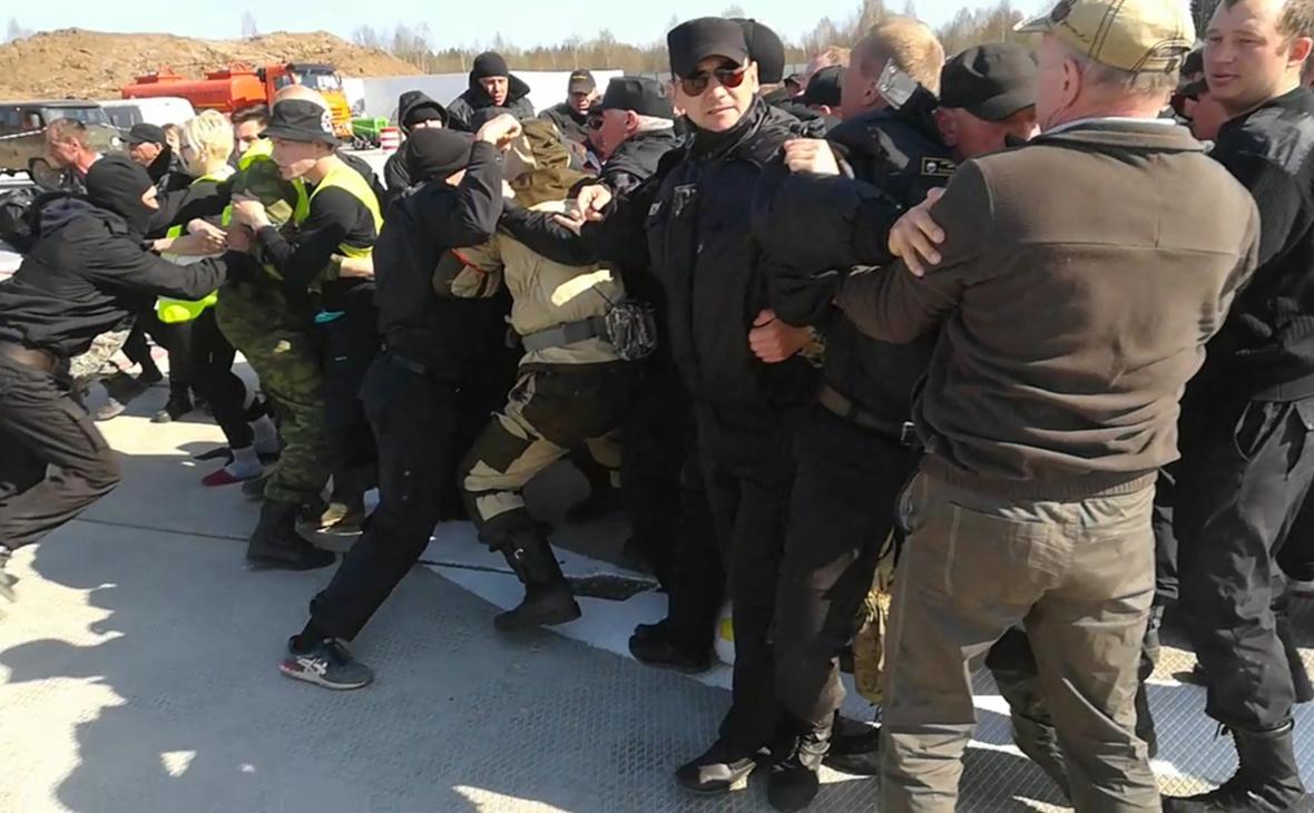 Протесты против строительствамусорного полигона «Шиес»