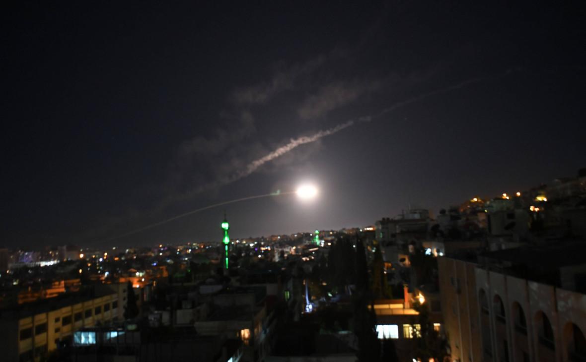 Ракета противовоздушной обороны в небе над Дамаском