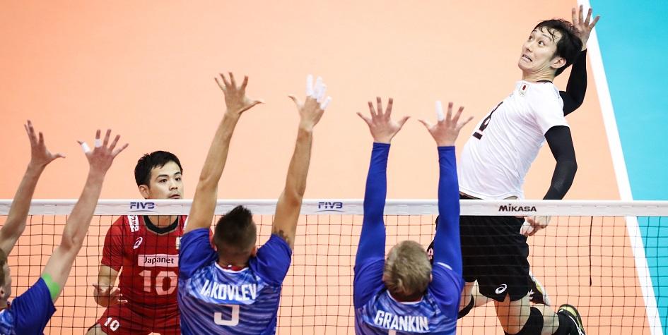 Российские волейболисты потерпели четвертое поражение на Кубке мира