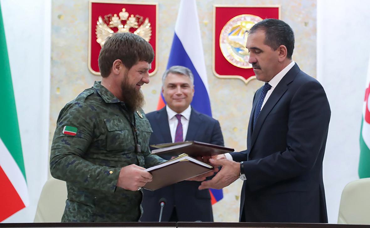 Рамзан Кадыров и Юнус-Бек Евкуров (справа)