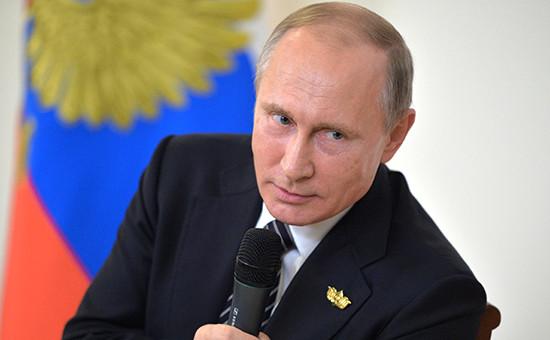 Президент России Владимир Путин напресс-конференции поитогам встречи лидеров стран БРИКС