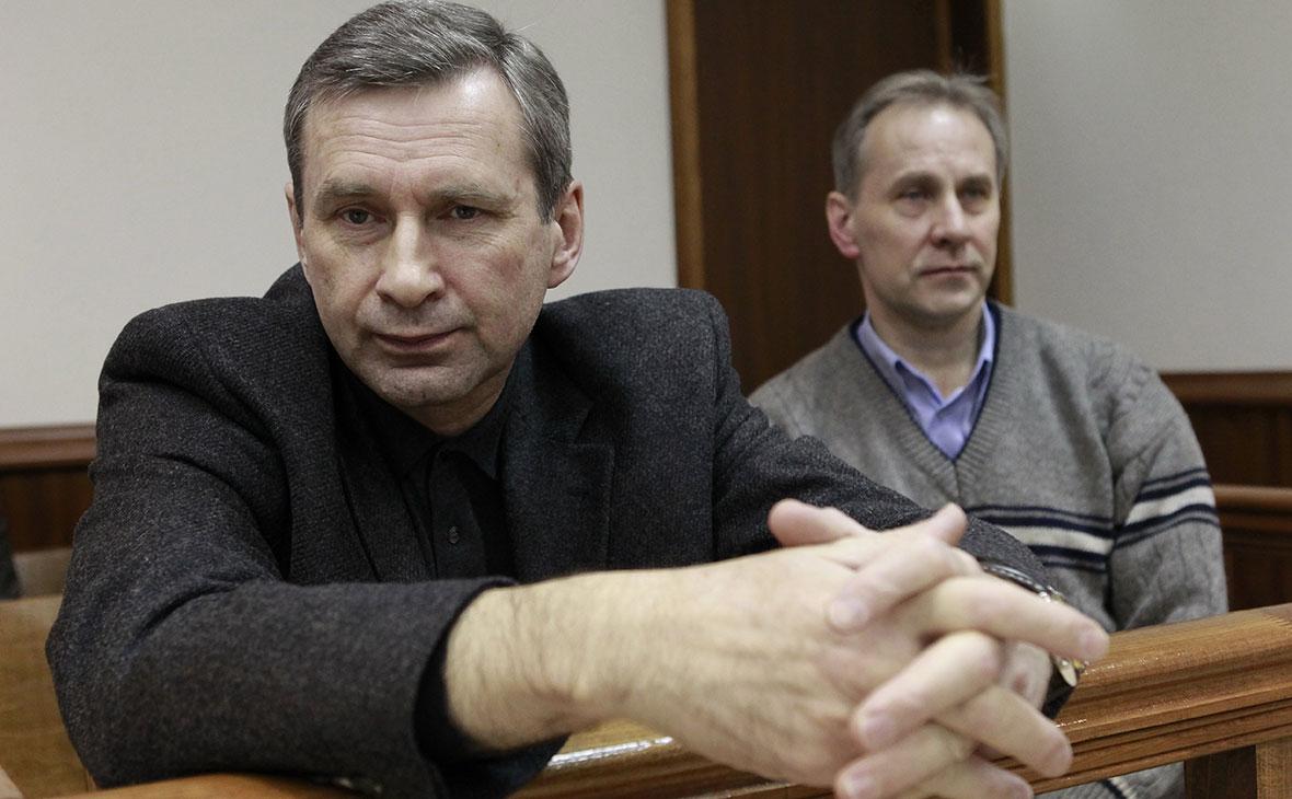 Борис Левин (слева)