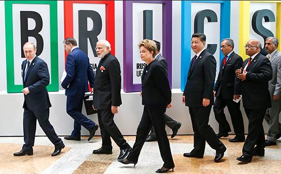 Лидеры стран БРИКС вовремя саммита вУфе. Июль 2015 года