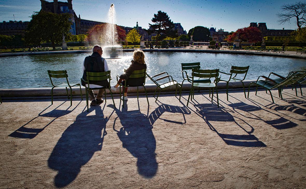 Власти Франции решили поднять возраст для получения полной пенсии