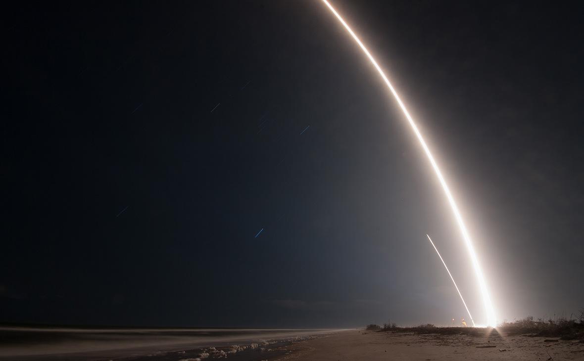 Следот ракеты Falcon 9 в небенад мысом Канаверал. 8 января 2018 года
