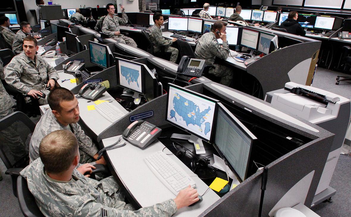 Центр кибер-безопасности армии США на базе ВВС Петерсон (Фото: Rick Wilking / Reuters)