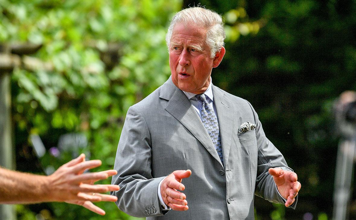 Принц Чарльз во время визита в Глостерширскую королевскую больницу