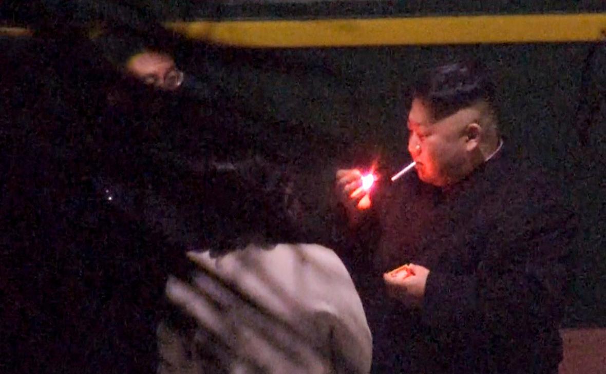 Ким Чен Ын (Курение вредит вашему здоровью)