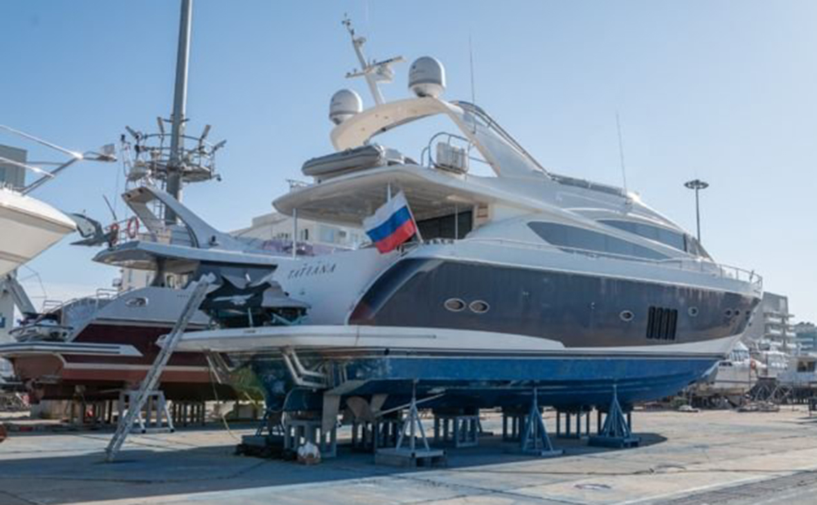 На Avito выставили на продажу яхту из фильма ФБК «Он вам не Димон»