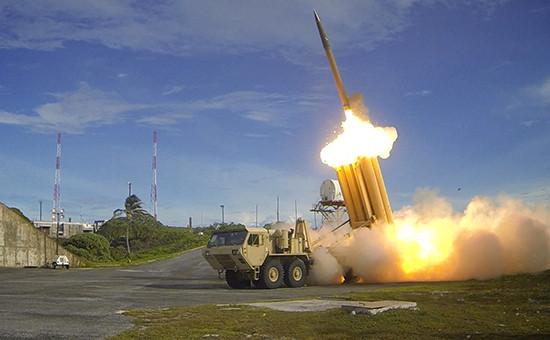 Система ПРО (THAAD) дляперехвата баллистическихракет малой и средней дальности. Фото министерства обороны США, 2015 год