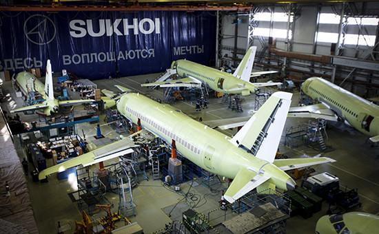 Сборка самолета Sukhoi Superjet 100 в Ульяновске