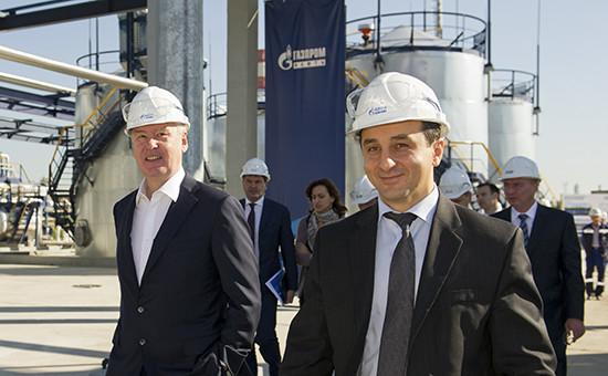 Аркадий Егизарьян (справа) и Сергей Собянин во время посещения Московского нефтеперерабатывающего завода