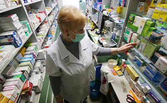 Фармацевт-провизор в одной из аптек