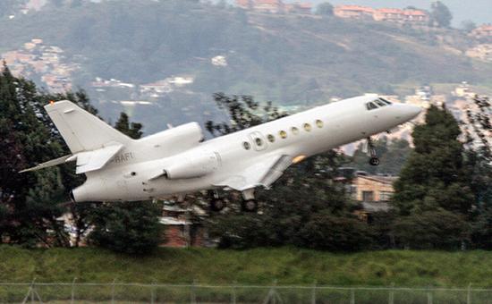 Самолет Falcon 50