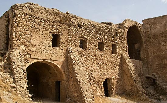 Древнейший в Ираке христианский монастырь святого Илии на окраине городе Мосул, 1 октября 2006 года