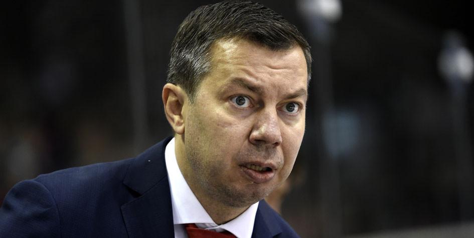 Тренер сборной России по хоккею назвал удаление слабым решением судей