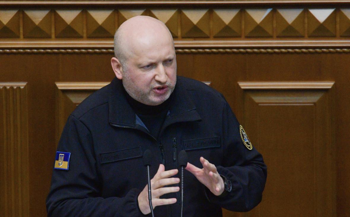 Порошенко уволил Турчинова с поста секретаря СНБО