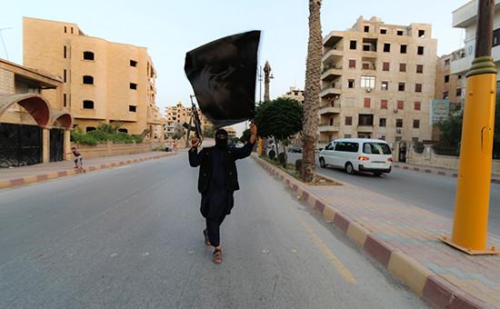 Боевик запрещенного в России «Исламского государства». Архивное фото