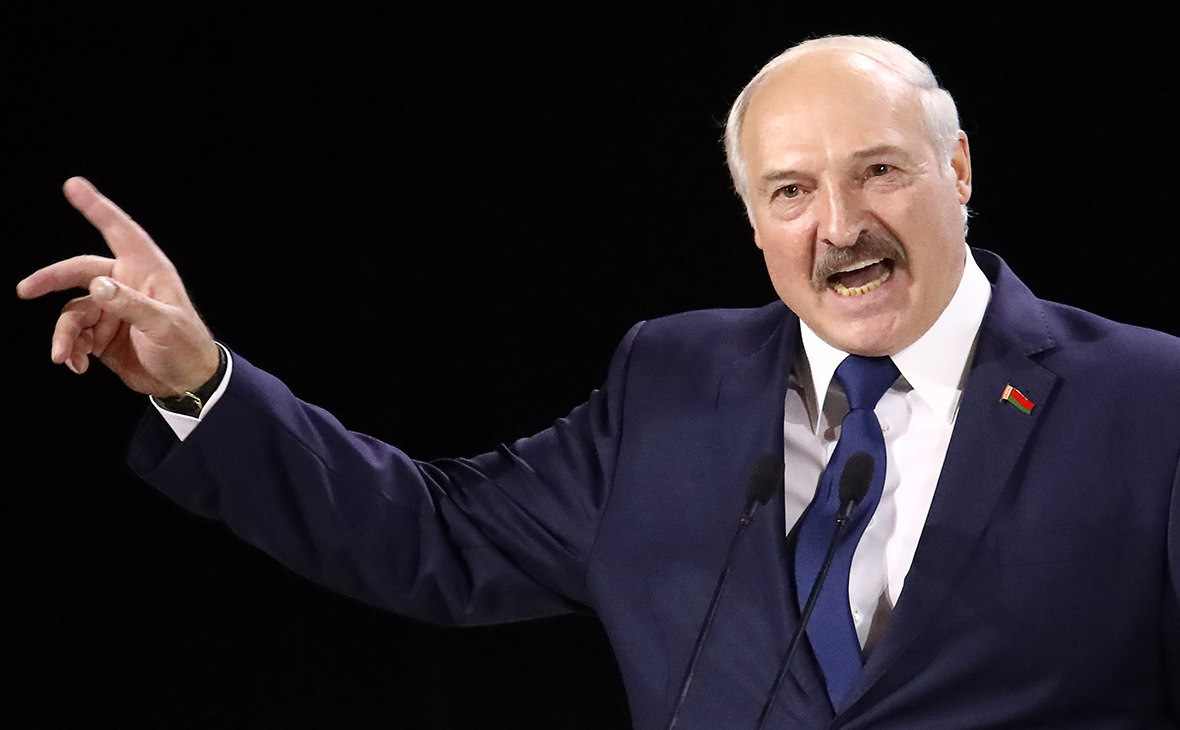 Лукашенко назвал психозом ситуацию с коронавирусом