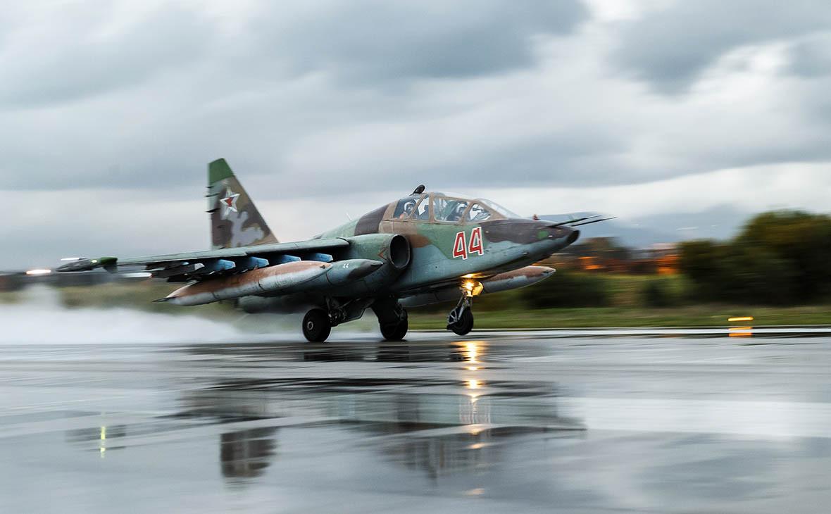 Штурмовик Су-25 на авиабазе Хмеймим