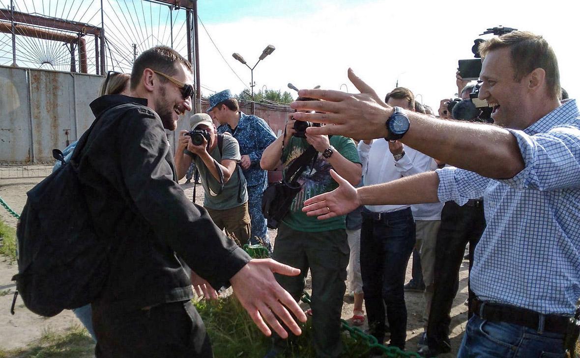 Олег Навальный и Алексей Навальный (слева направо)