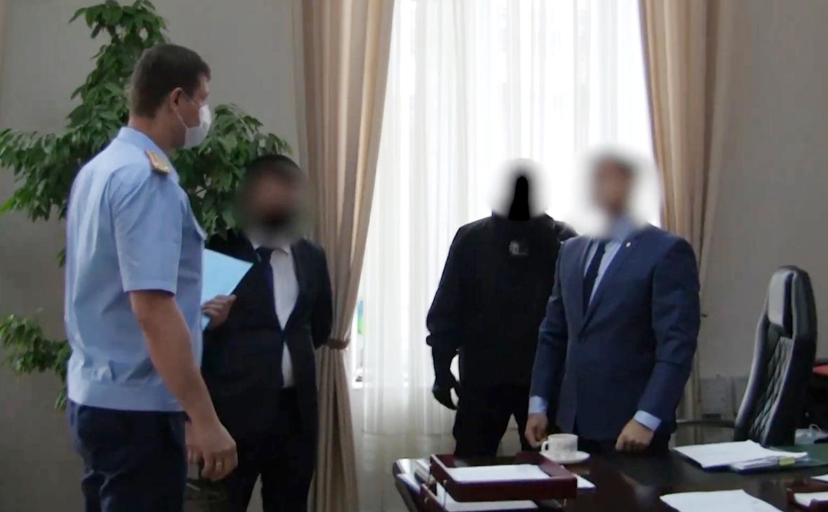 Задержание сотрудниками СК РФ и УФСБ вице-мэра Томска по безопасности и общим вопросам Евгения Сурикова