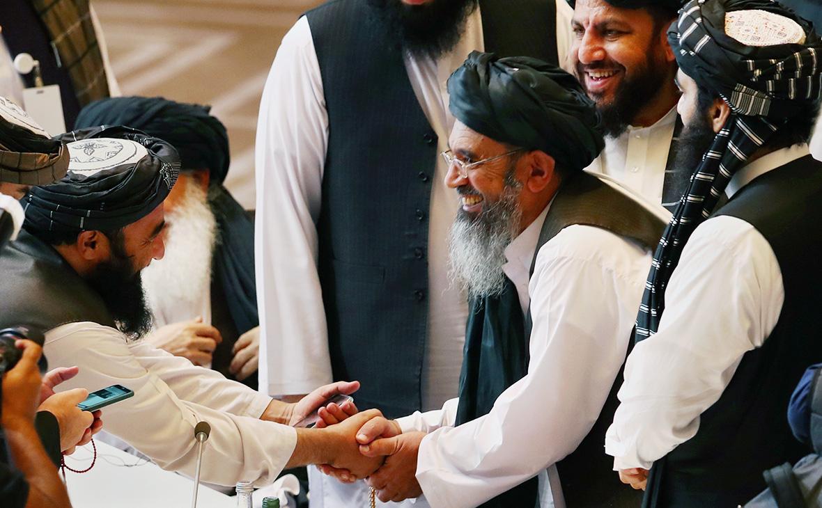 Делегаты«Талибана»на переговорах между правительством Афганистана и движением «Талибан»в Дохе,Катар