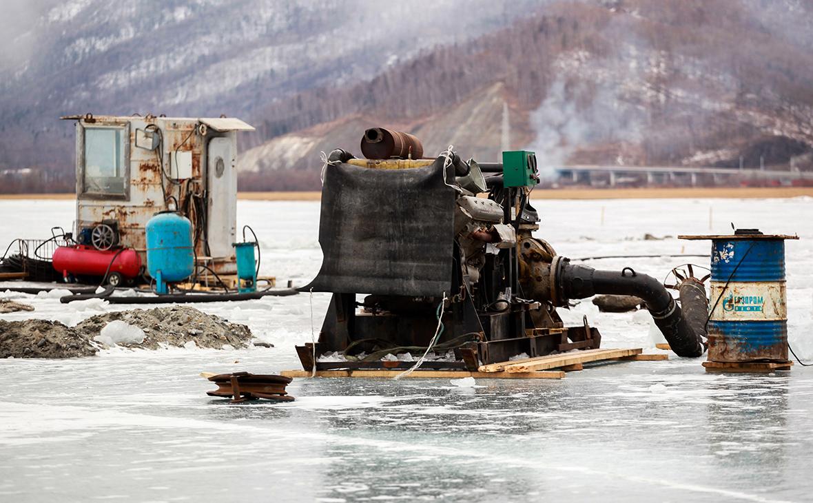Суд приостановил строительство вызвавшего протесты завода на Байкале