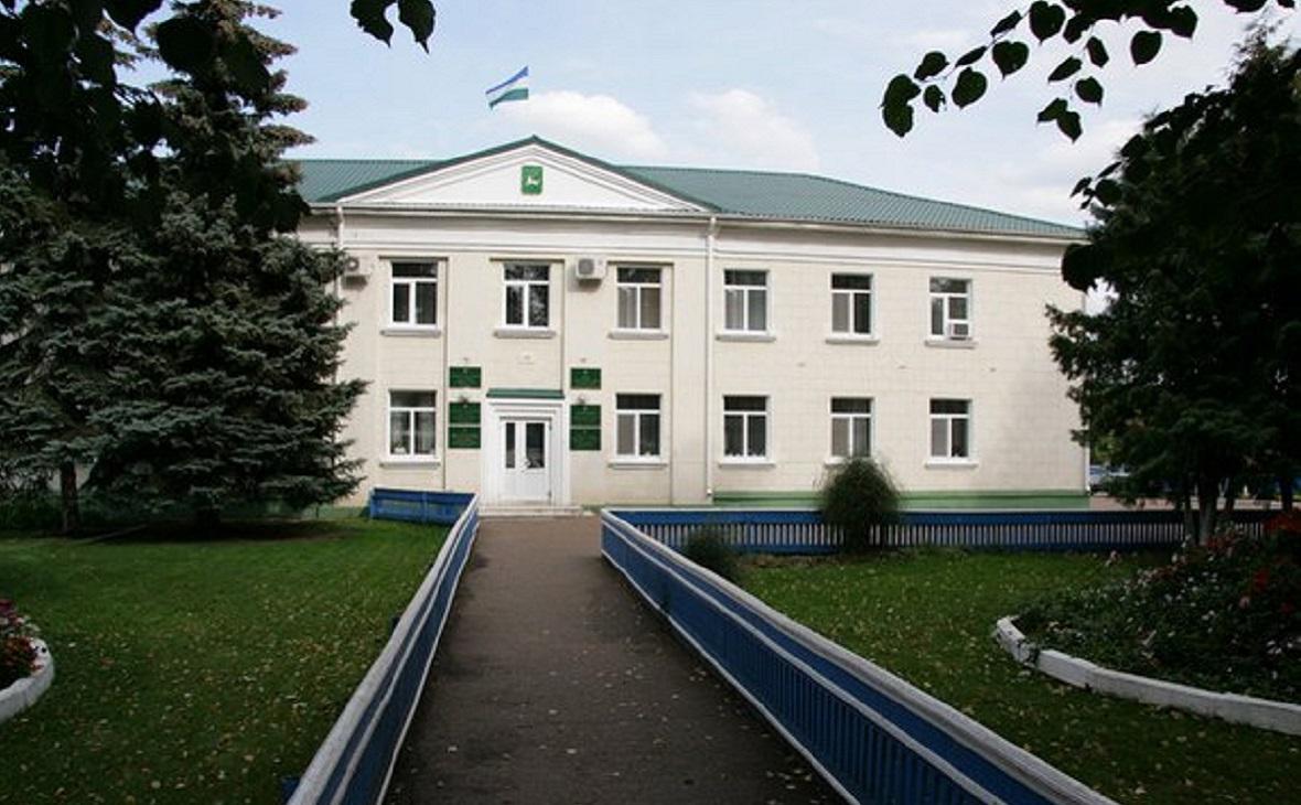 Здание администрации Бураевского района.