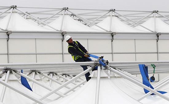 Во время Олимпийских игр 2012 года в Лондоне в аэропорту Хитроу был также возведен временный терминал