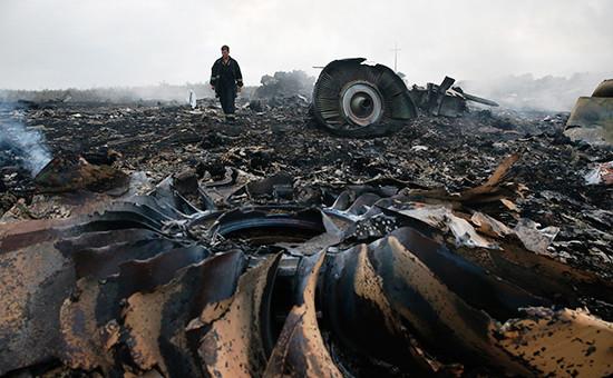 Обломки Boeing 777рейса MH17