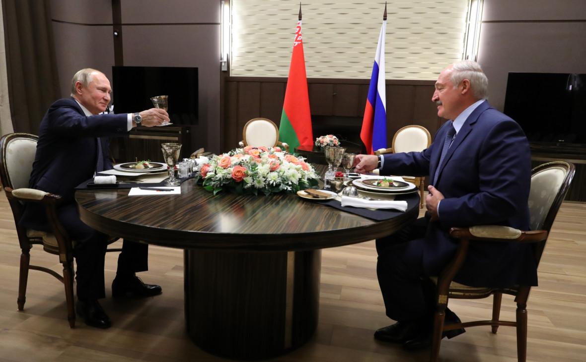 Лукашенко, съев барабульку с артишоком, сбежал от Путина без заявлений для