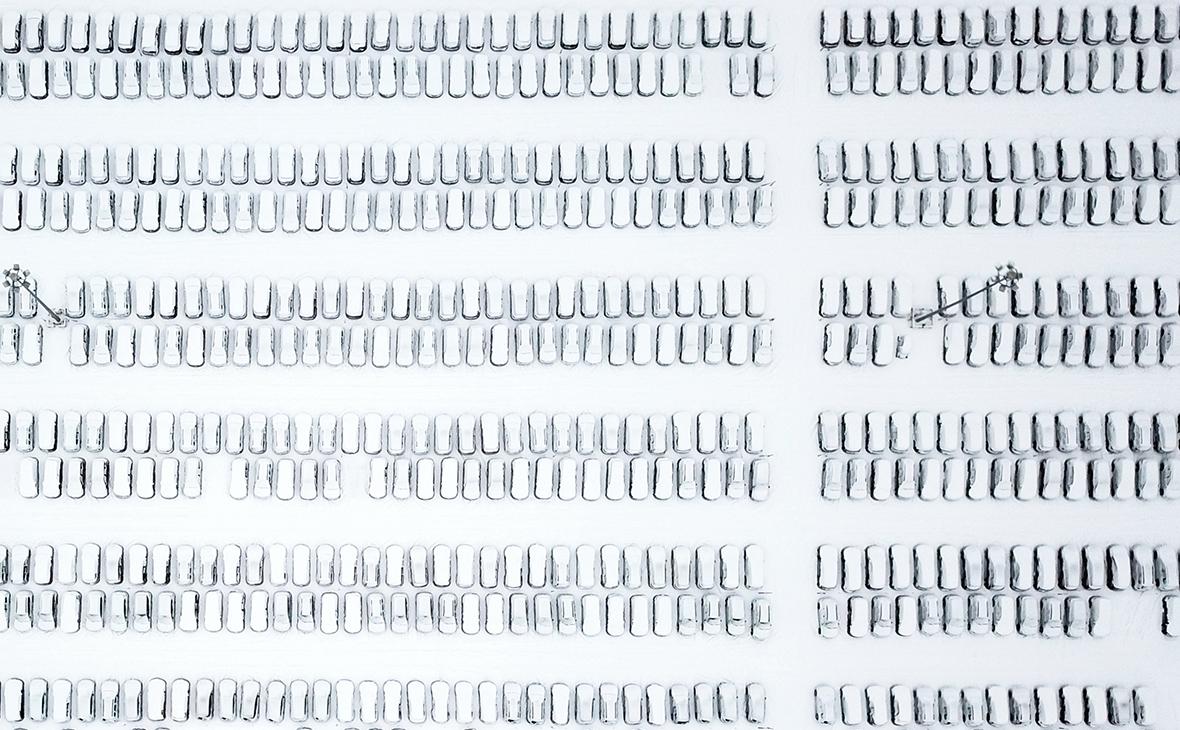 Продажи новых автомобилей в России упали впервые за три года