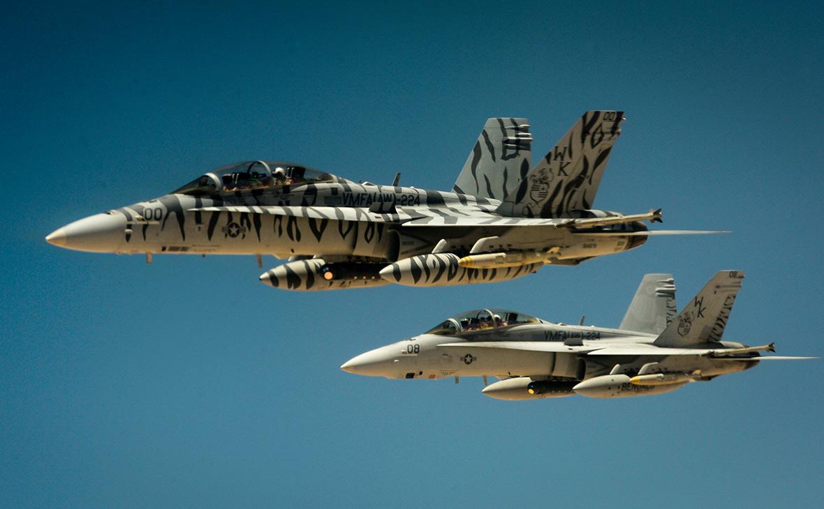 Истребители F-18 ВВС США