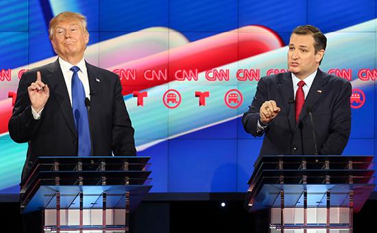 Миллиардер Дональд Трампи сенатор от штата Техас Тед Круз (слева направо) участвуют в телевизионных дебатах