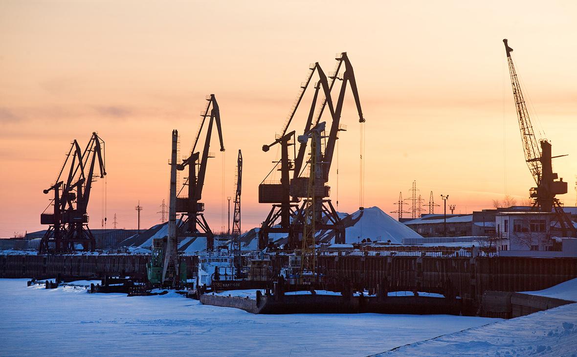 Reuters узнал о готовности России увеличить сокращение нефтедобычи
