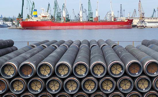Трубы длястроительства газопровода «Южный поток» вболгарском порту Варна. Август 2014 г.