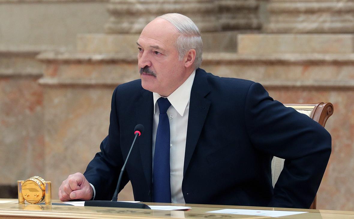 Лукашенко предупредил силовиков об угрозе побоищ на площадях