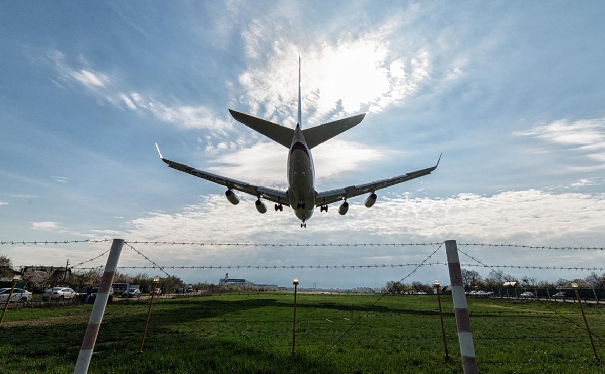 Пассажирский самолет Ил-96-300 специального летного отряда «Россия»