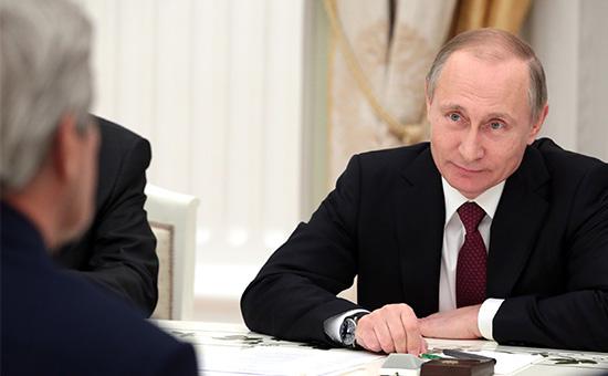 Президент РФ Владимир Путин во время встречи с госсекретарем США Джоном Керри в Кремле