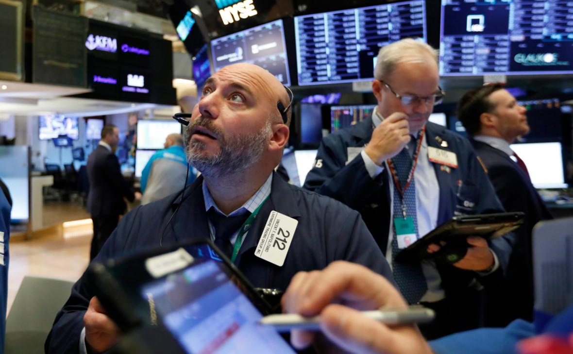 Цены на нефть в США снизились 10-й день подряд впервые за 34 года