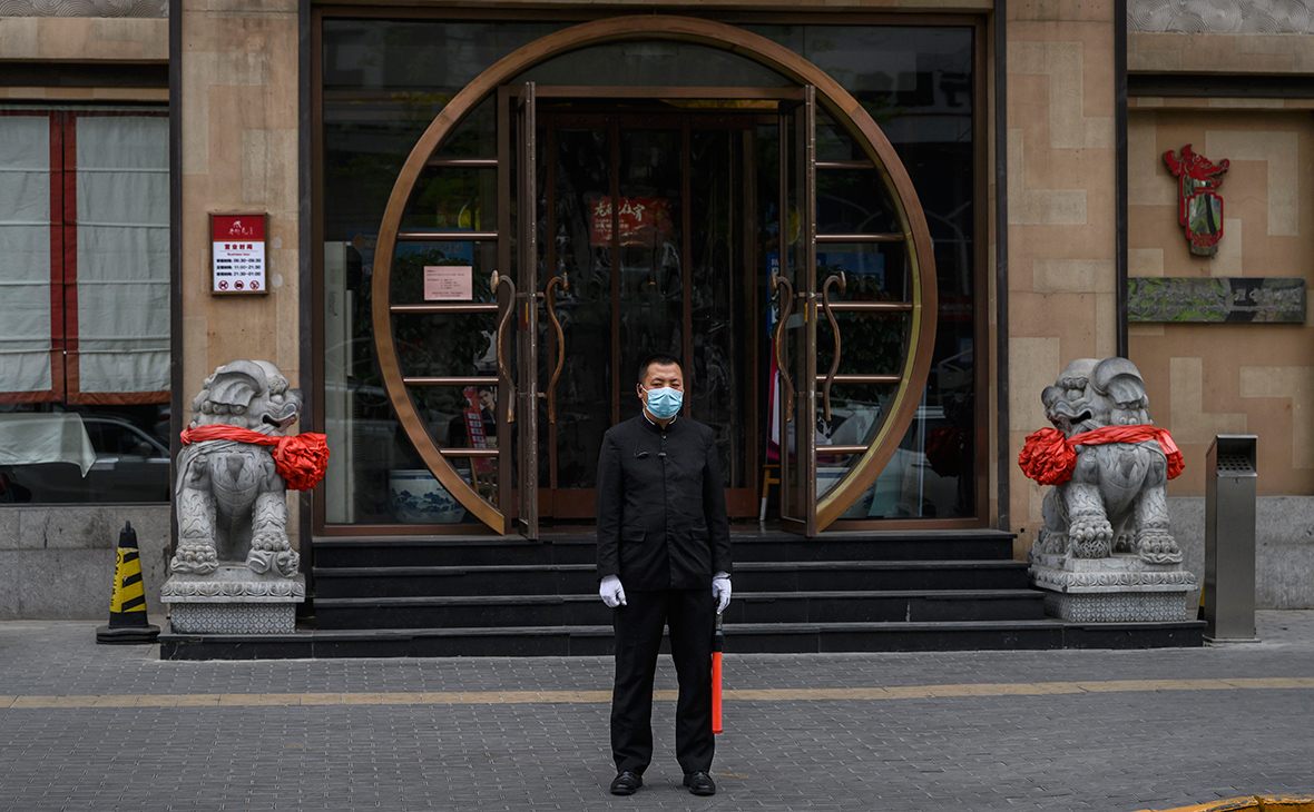 Китай ответил на обвинения в искусственной селекции коронавируса