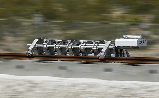 Испытания двигателя транспортной системы Hyperloop наполигоне впустыне Невада, 11 мая 2016 года