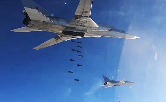 Боевые удары Дальней авиации России по объектам террористов в Сирии