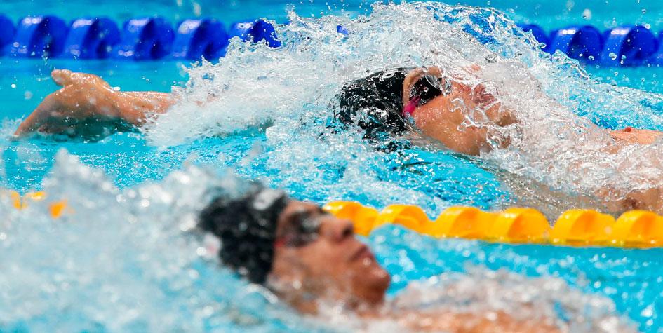 Россиянин Рылов с рекордом победил на чемпионате мира по плаванию