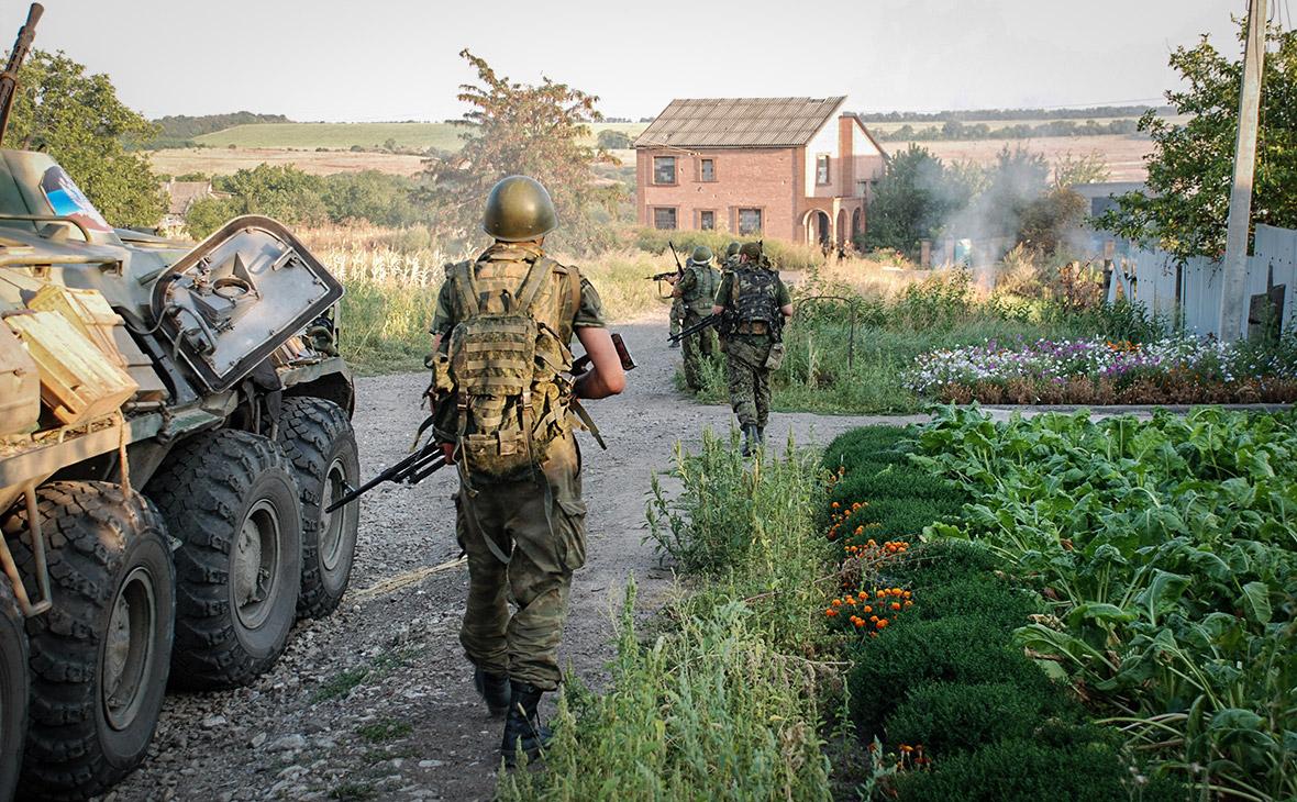 Ополченцы ДНР в городе Иловайске Донецкой области. 2014 год