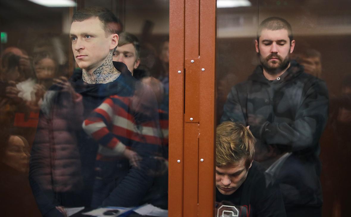 Павел Мамаев и АлександрКокорин (слева направо на переднем плане)