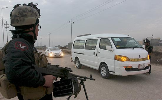 Силы безопасности Ирака наКПП вгороде Басра